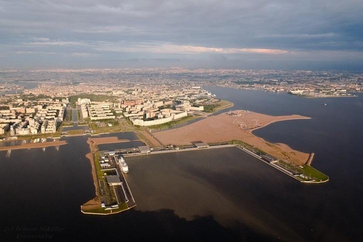 Намыв Васильевского острова в Санкт-Петербурге