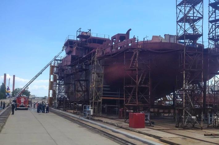 В Сети появились фото строящегося на ССЗ «Залив» в Крыму корабля проекта MPSV07