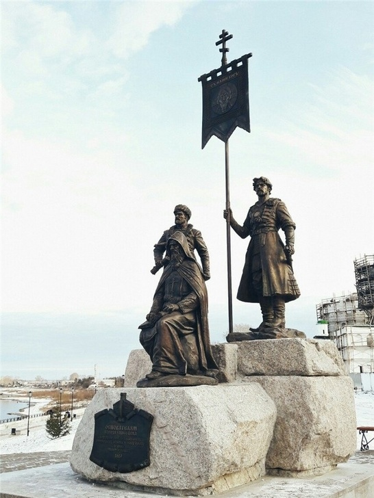 В Красноярском крае открыли памятник основателям Енисейска