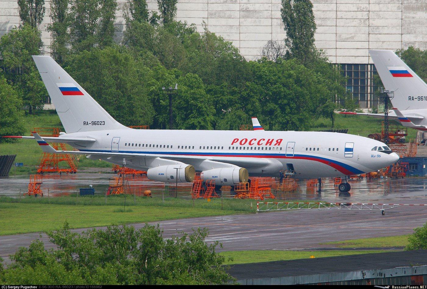 Самолет Ил-96 после модификации превосходит американский Боинг 386