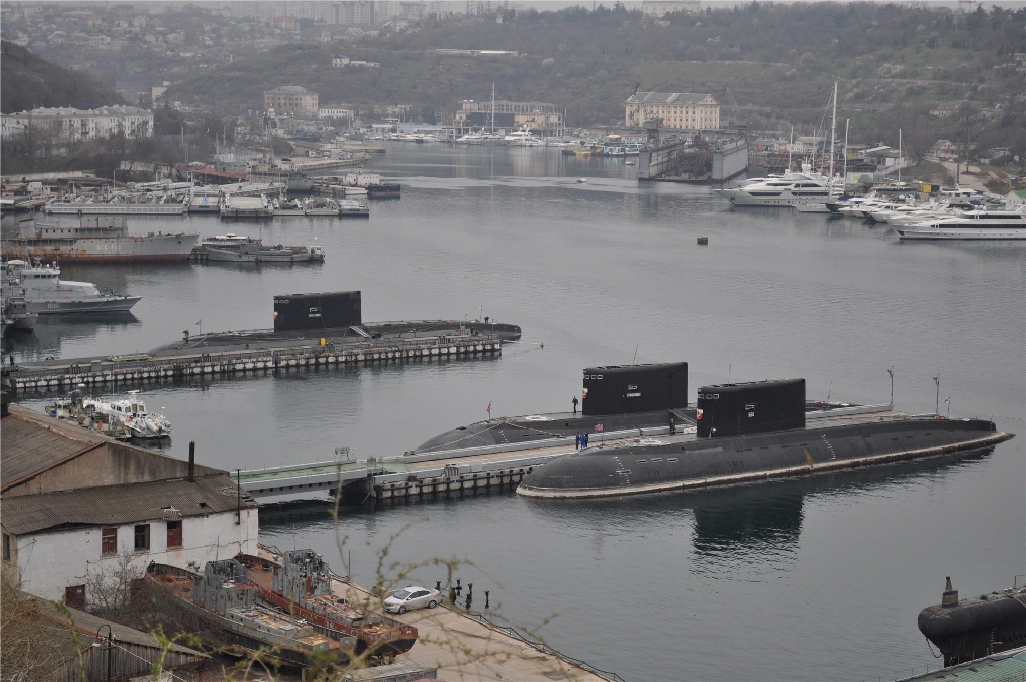 российские подводные лодки на черном море