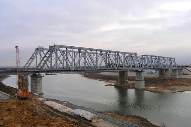 2005.11 Железнодорожный мост через реку Унжа (2-ой переезд, Мантурово) - 274м