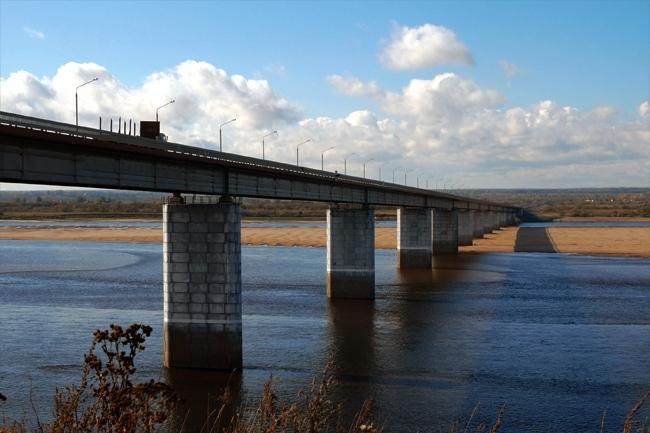 2001.10.02 Мост через реку Северная Двина (Котлас) - 1200м