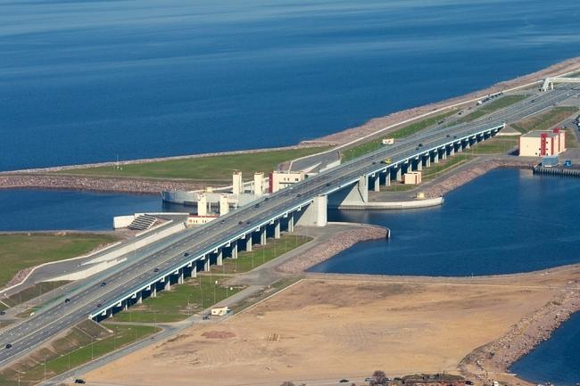 2011.08.12 Мост через Судопропускное сооружение С-2 КЗС Санкт-Петербурга - 1080м