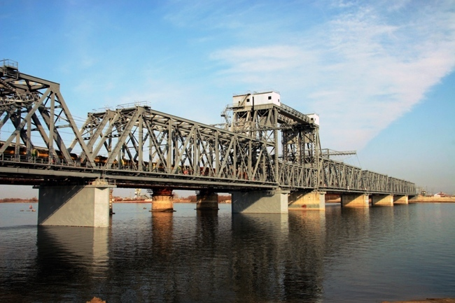 2004.12 (2005.11) Железнодорожный мост через реку Бузан (Бузан-пристань) - 708м