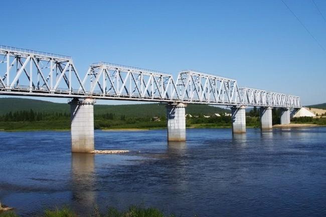 2006.04.22 Железнодорожный мост через реку Алдан (Томмот) - 500м