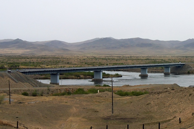 2009.10.16 Мост через реку Селенга (124 км трассы Улан-Удэ - Кяхта) - 419м