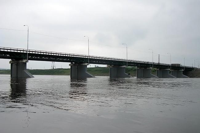 2009.06.16 Мост через реку Витим (Романовка, Бурятия) - 240м
