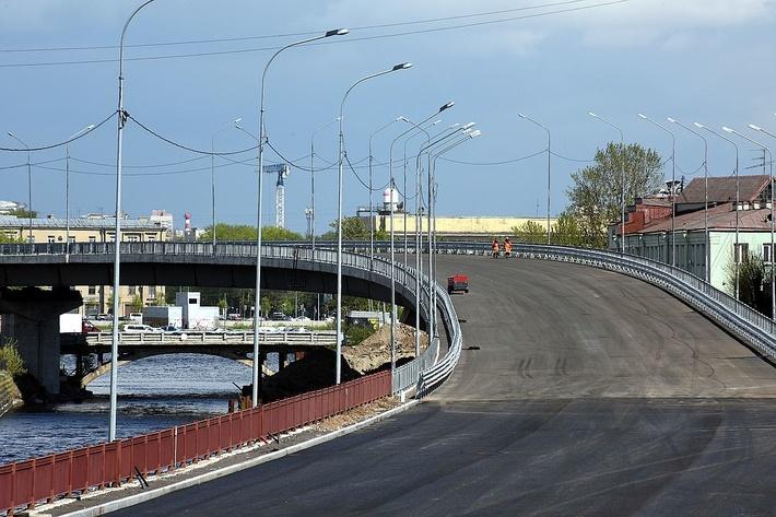 Новый виадук на Обводном канале автомобилисты уже опробовали Фото: пресс-служба КРТИ