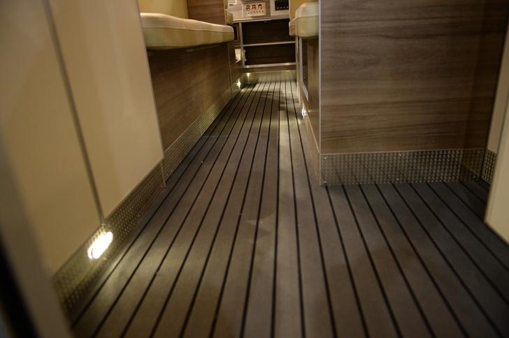 Напольное покрытие sea deck с подсветкой