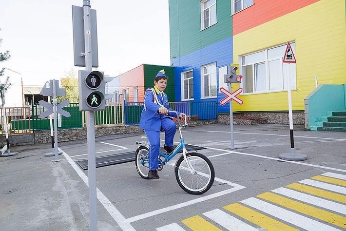 Картинки по запросу В тульской школе №4 для обучающихся с ограниченными возможностями здоровья открыли автогородок