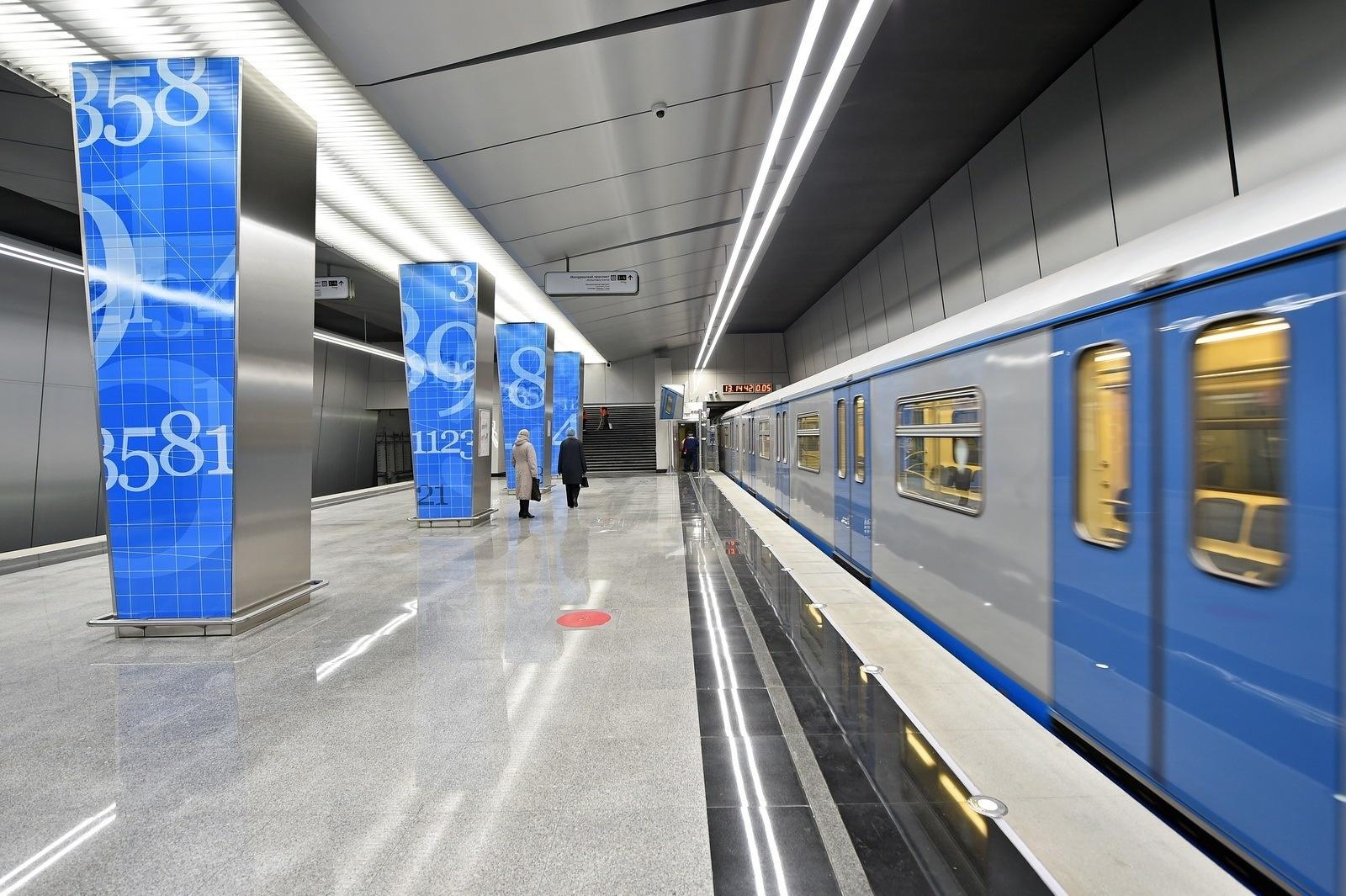 Картинки по запросу В Петербурге откроют две новые станции метро уже весной следующего года