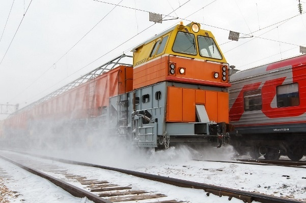 Два самоходных поезда-снегоочистителя пополнили парк снегоуборочной техники Красноярской магистрали