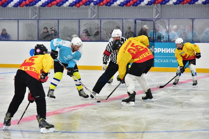 В Мурманской области открыта крытая ледовая арена