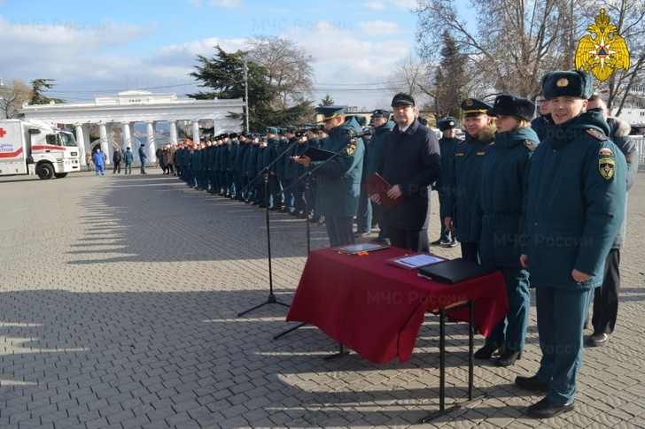 На вооружение пожарных и спасателей Севастополя поступила новая техника