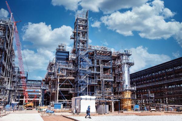 «Газпром нефть» начала первый этап испытаний будущего комплекса глубокой переработки нефти