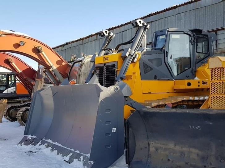 Железнодорожные войска ВВО получили новые 40-тонные бульдозеры компании «Техинком»