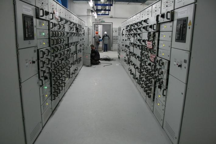 Главный корпус. Прокладка и расключение кабелей.jpg