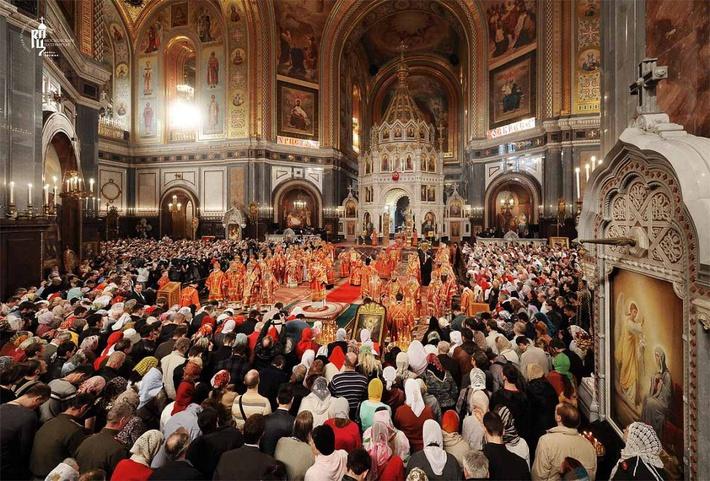 Москва В неделю вторую по Пасхе Святейший Патриарх Кирилл совершил Литургию в Храме Христа Спасителя и возглавил хиротонию архим
