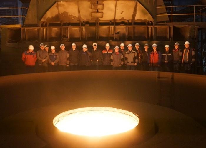 В ОМЗ-Спецсталь отлит слиток весом 443 тонны для ЧМК