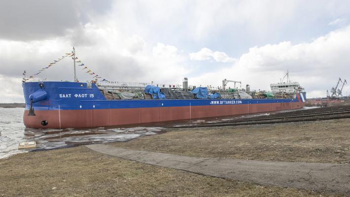 """""""Окская судоверфь"""" спустила на воду танкер «Балт Флот 15» проекта RST27"""