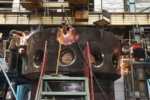 Завершена операция сварки элементов корпуса реакторной установки РИТМ-200 для ледокола «Урал»