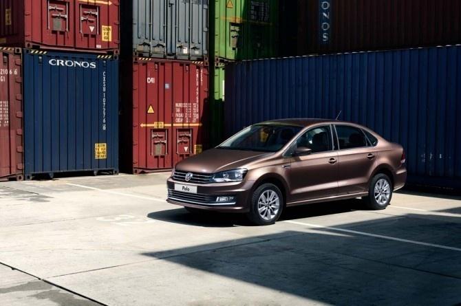 Экспорт легковых автомобилей из РФ в первом полугодии вырос на 61%