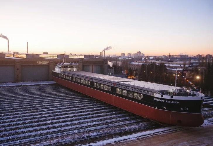 Russian Civil Shipbuilding Sector - Page 6 D3d3LmFvb3NrLnJ1L3VwbG9hZC9pYmxvY2svM2M1L1VTQ19Lcl9Tb3Jtb3ZvXzEuanBnP19faWQ9MTM4MDM1