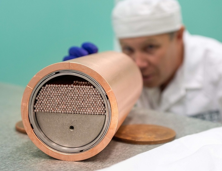 ЧМЗ приступил к производству сверхпроводников для кольцевого коллайдера будущего