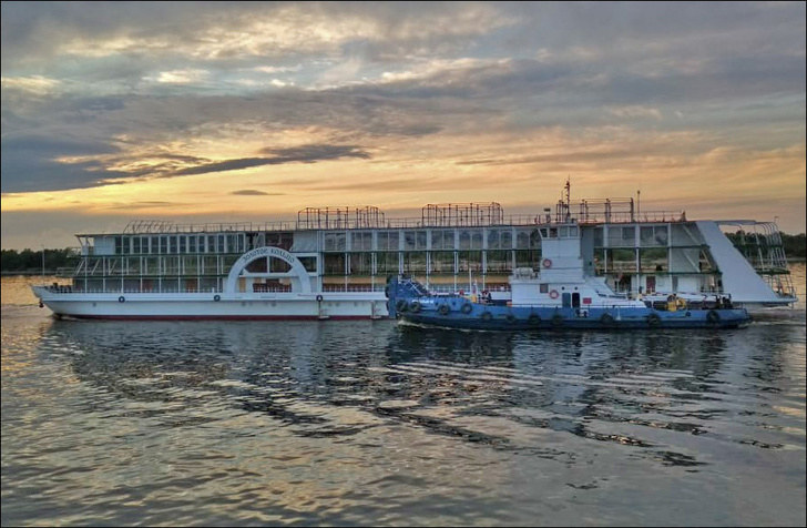 Новый теплоход «Золотое кольцо» перегнали из Астраханской области в Нижегородскую для достройки