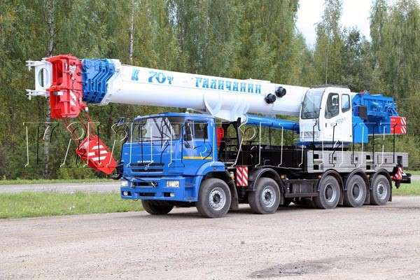КС–75721-1 на базе КАМАЗ-7330 с колесной формулой 10х4