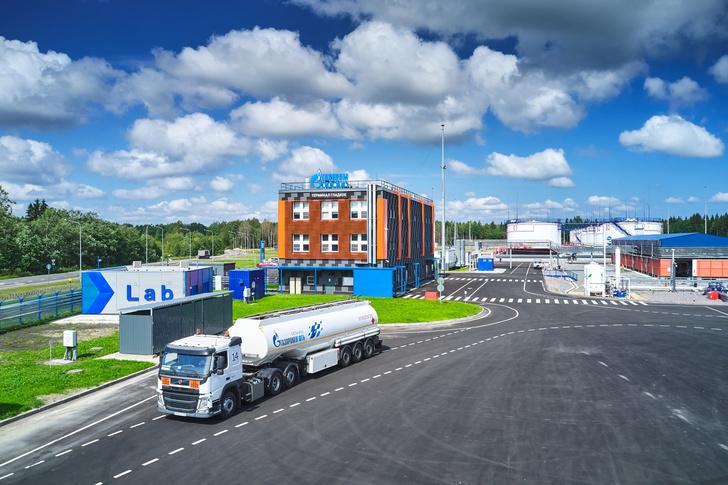 «Газпром нефть» ввела в эксплуатацию новый топливный терминал «Гладкое» в Ленинградской области