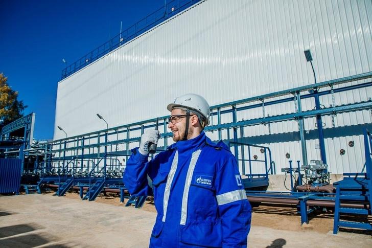 «Газпром нефть» построила первый в России прямоугольный резервуарный парк