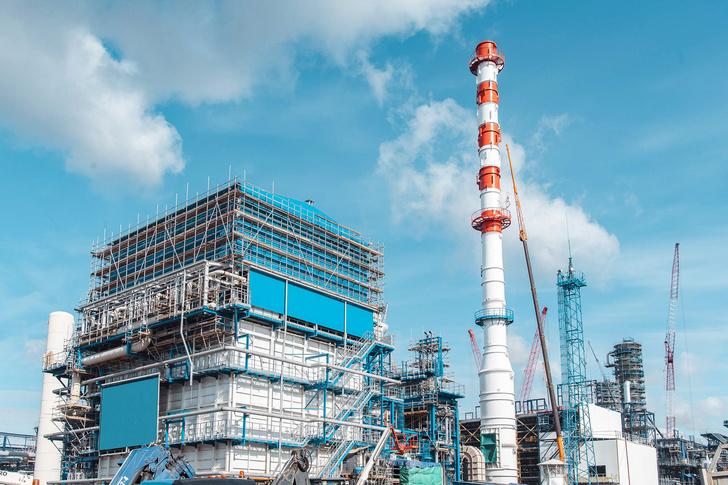 Омский НПЗ завершил ключевой этап строительства комплекса глубокой переработки нефти