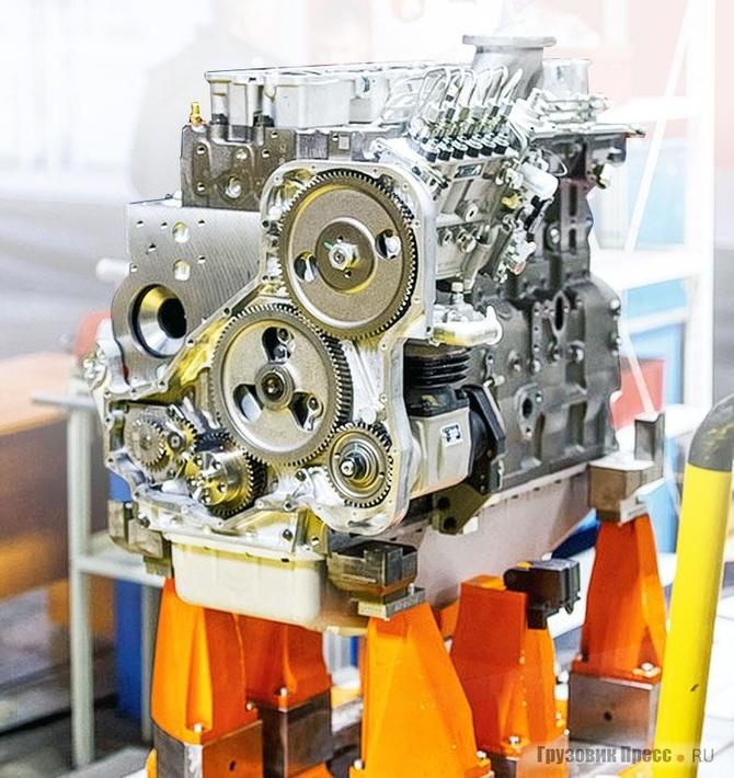 У девятилитровых двигателей ISL переднее расположение шестерёнчатого привода ГРМ вотличие отранее освоенной вНабережных Челнах серии ISB