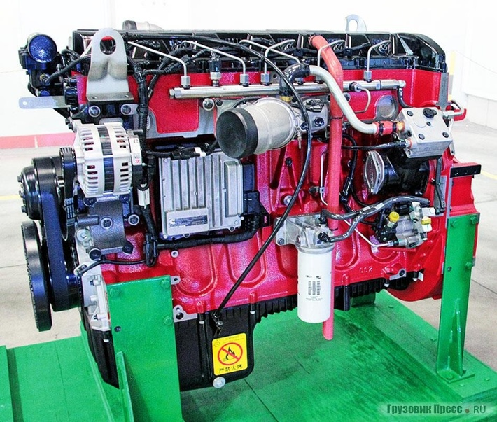 Серия двигателей Cummins ISG12 состоит изрядных 6-цилиндровых моторов рабочим объёмом 10,5 и11,8л, которые отличаются компактными размерами инебольшой массой, мощностной диапазон 350–500л.с.