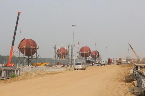 Сбор шаровых резервуаров в парке ШФЛУ