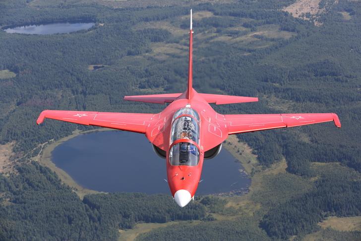 Летчики-испытатели ОКБ имени А. С. Яковлева установили мировые рекорды на самолете Як-130
