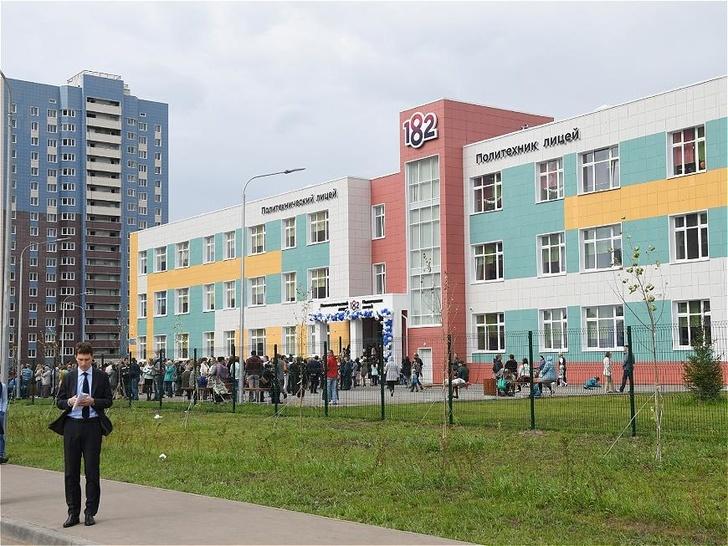 В Казани открылись три новых школы на 3248 мест