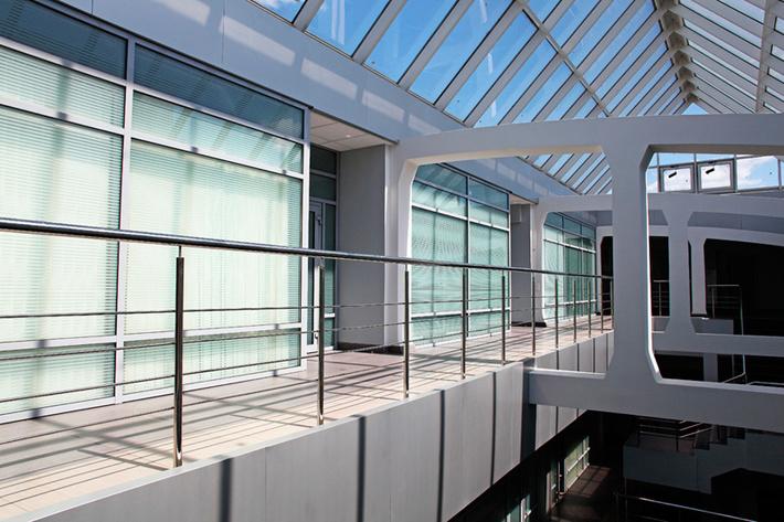 Радуга 27 Пропитка укрепляющая и Экстра краска для фасадов и интерьеров