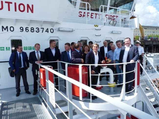 Руководство завода «Красное Сормово», представители заказчика и ГК МНП на борту нового танкера