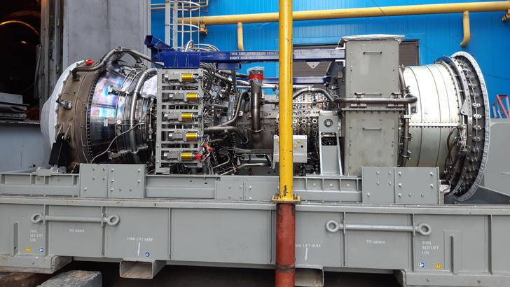 Новый турбинный агрегат ПГУ перед монтажом