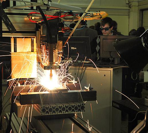 Процесс лазерно-дуговой сварки