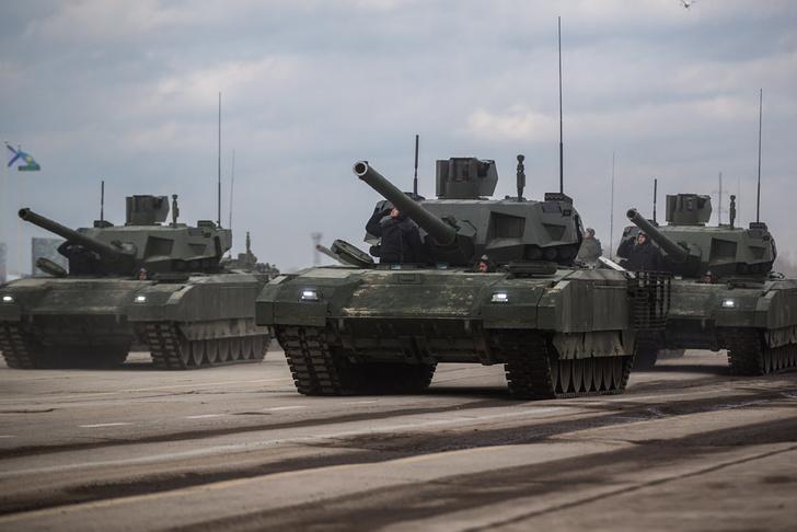 """""""Армата"""" идет в войска. Первая партия – 100 танков"""