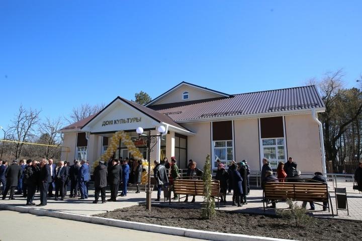 Глава Карачаево-Черкесии принял участие в открытии нового Дома культуры в Ногайском районе