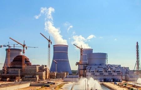 На строящемся блоке №2 Ленинградской АЭС раньше срока завершено сооружение испарительной градирни