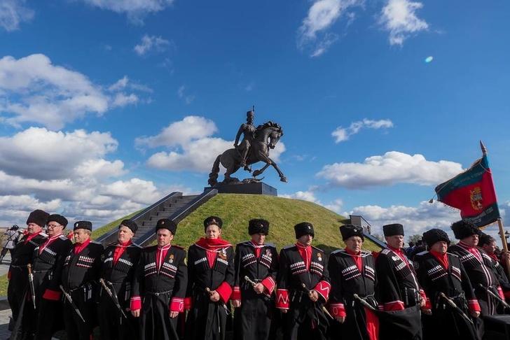 В Ставропольском крае открыт памятник герою Отечественной войны 1812 года атаману Матвею Платову