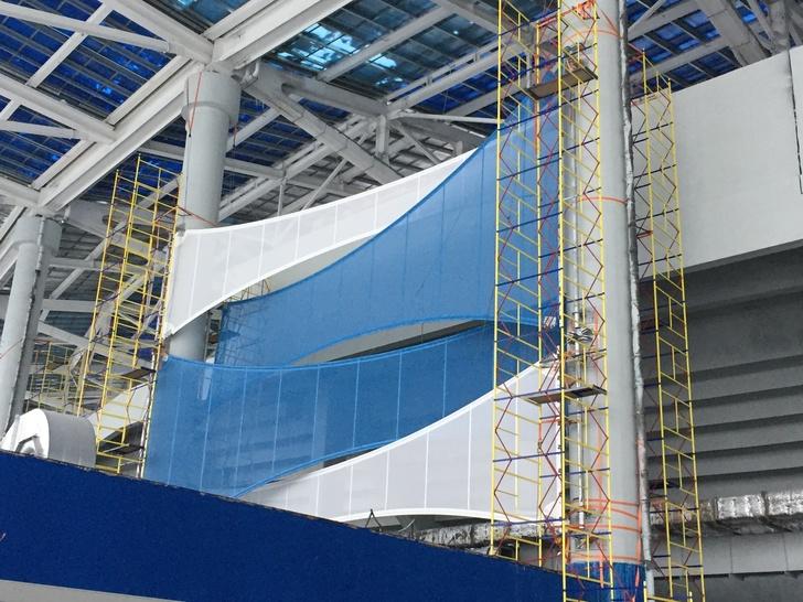 На стадионе «Нижний Новгород» начался монтаж фасада