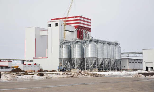 """комбикормовый завод, построенный в рамках проекта """"Брянский бройлер"""", в Выгоничском районе"""