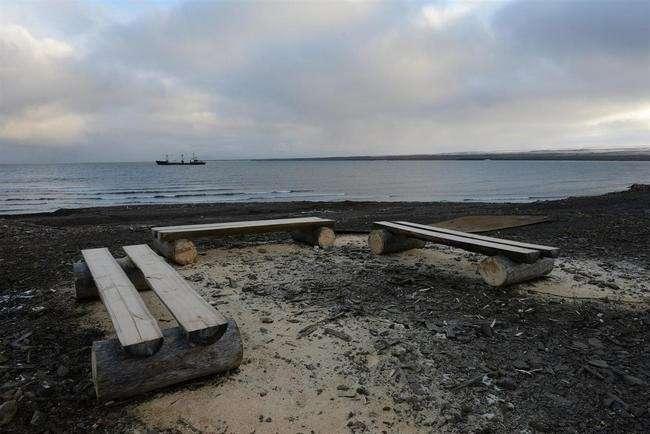 скамейки для оборудования места отдыха на экскурсионном маршруте м. Желания фото - А. Лябзин